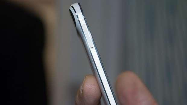 Google Nexus 6P review: Left edge