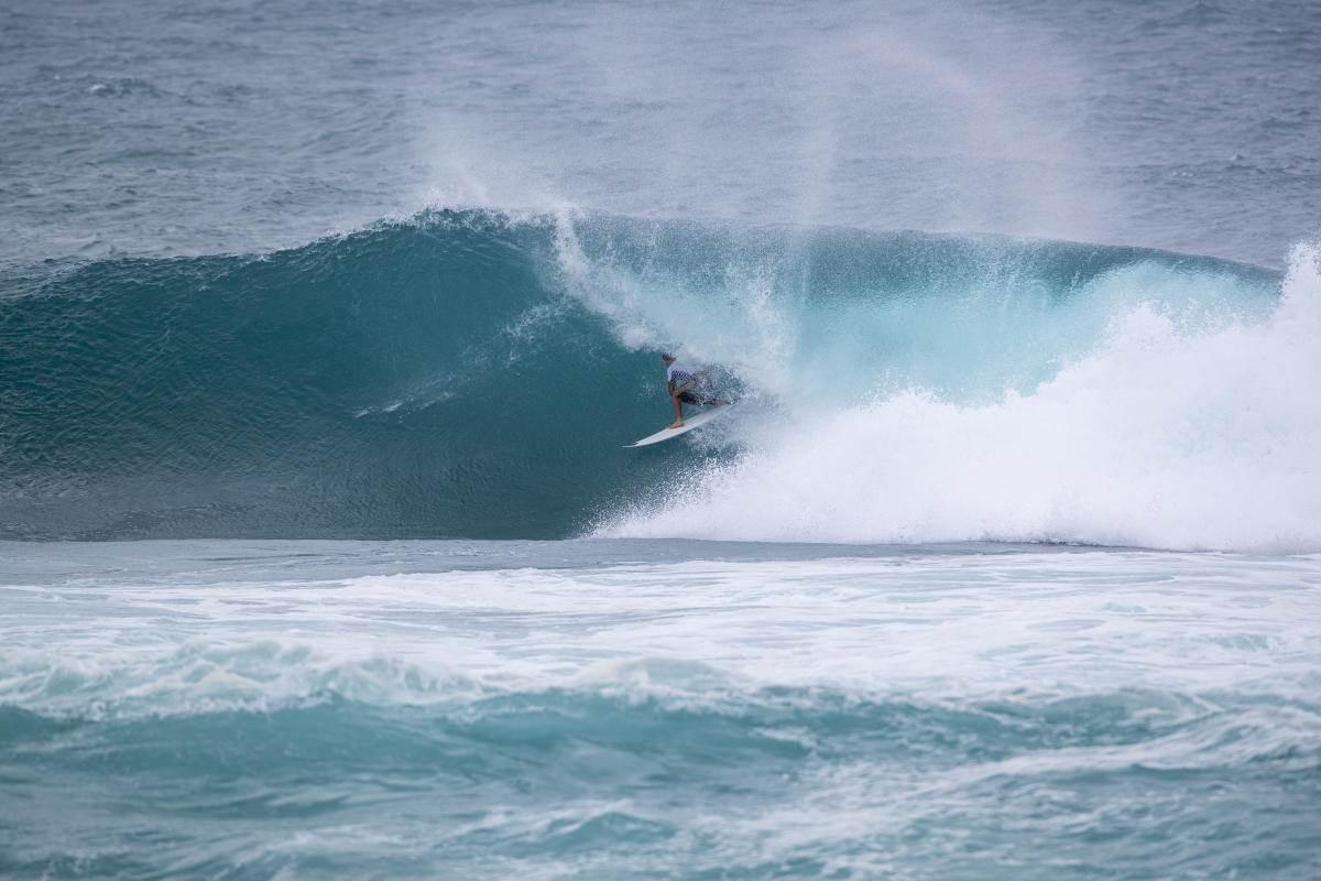 triple crown of surfing 2020