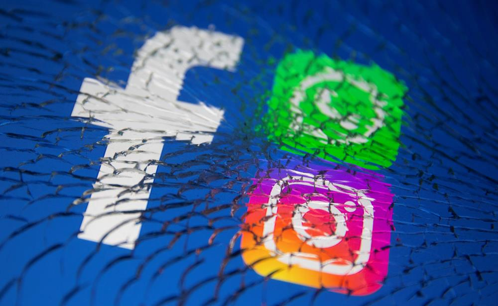 Facebook, Instagram, WhatsApp reconnecting after nearly six-hour outage