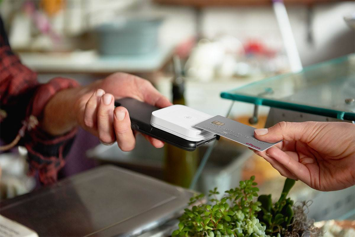 itnews.com.au - Eftpos gets Square as battle for mobile payments escalates