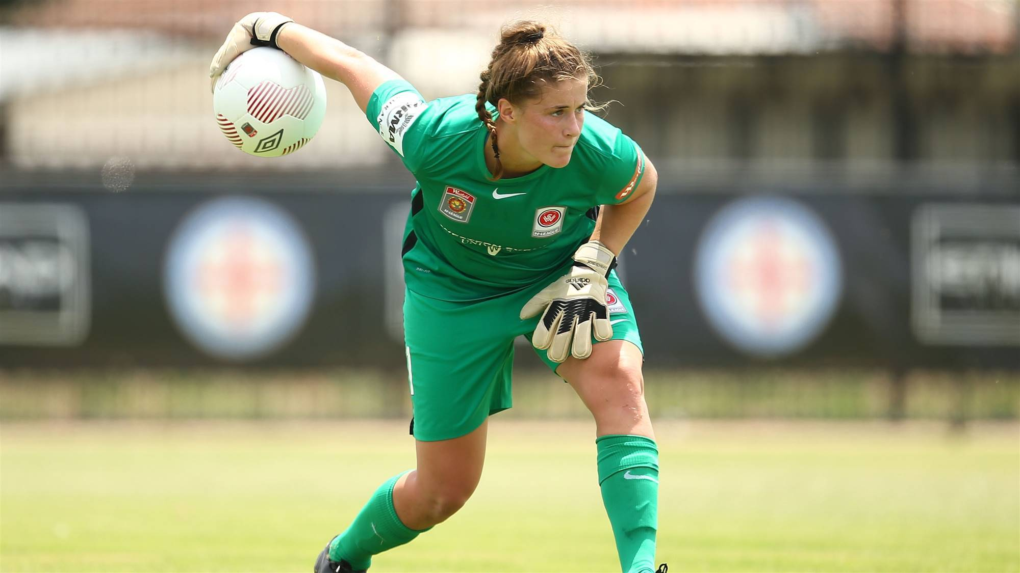 Matildas goalkeeper secures 'beautiful country' move in search of Olympic spot