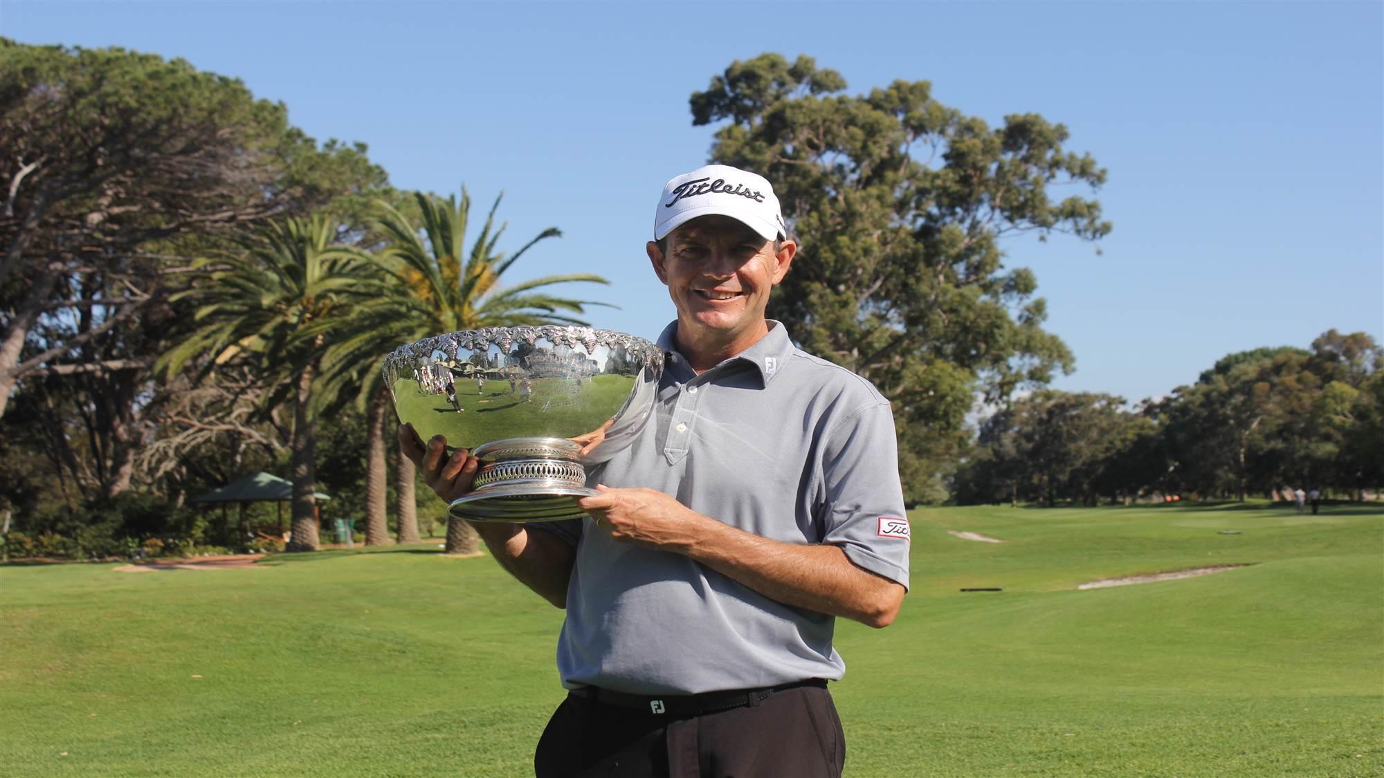 leaney longs for history making title golf australia. Black Bedroom Furniture Sets. Home Design Ideas