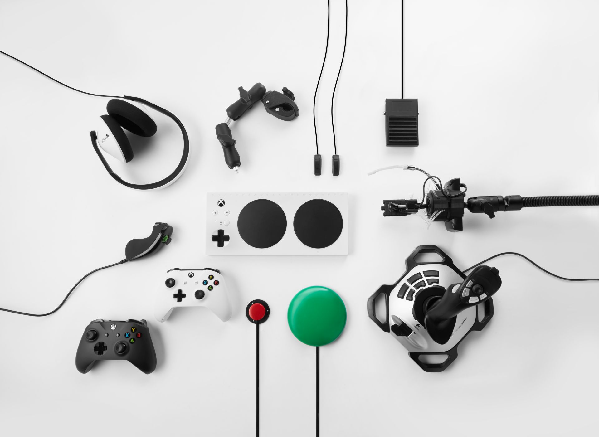 Microsoft Reveals Xbox Adaptive Controller for Xbox One and Windows 10 PC