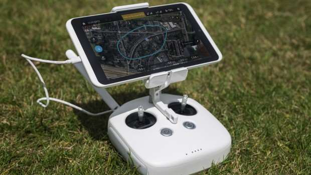 DJI Phantom 3 Professional review: The new flight controller can hold large tablets as well as phones
