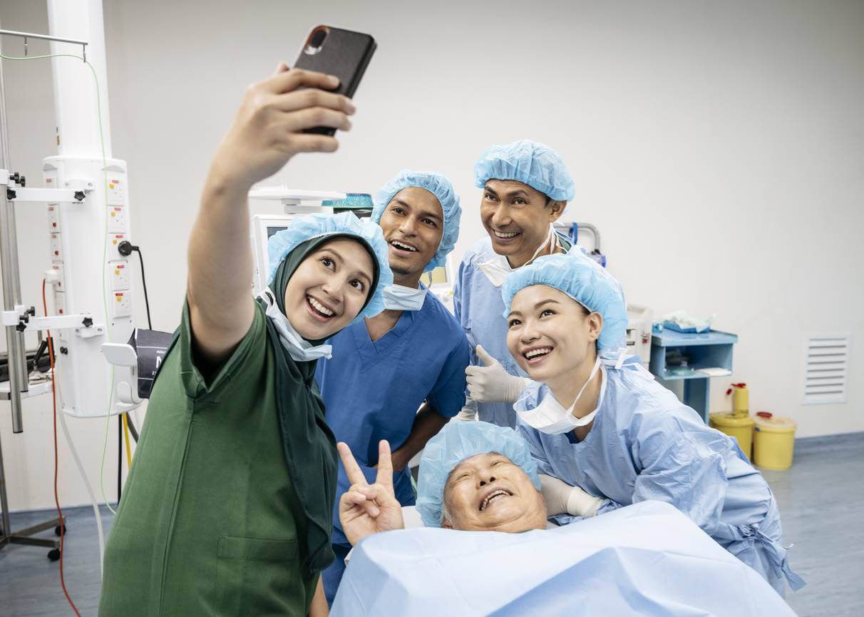 Doctors warned about using personal phones for clinical photos