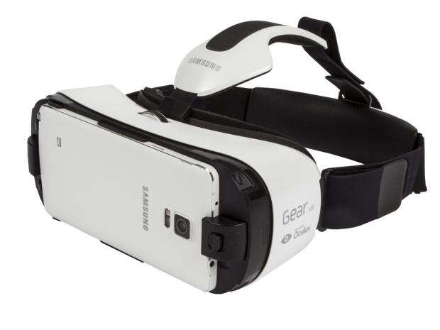 Samsung Gear VR with Galaxy Note 4 clipped on the front