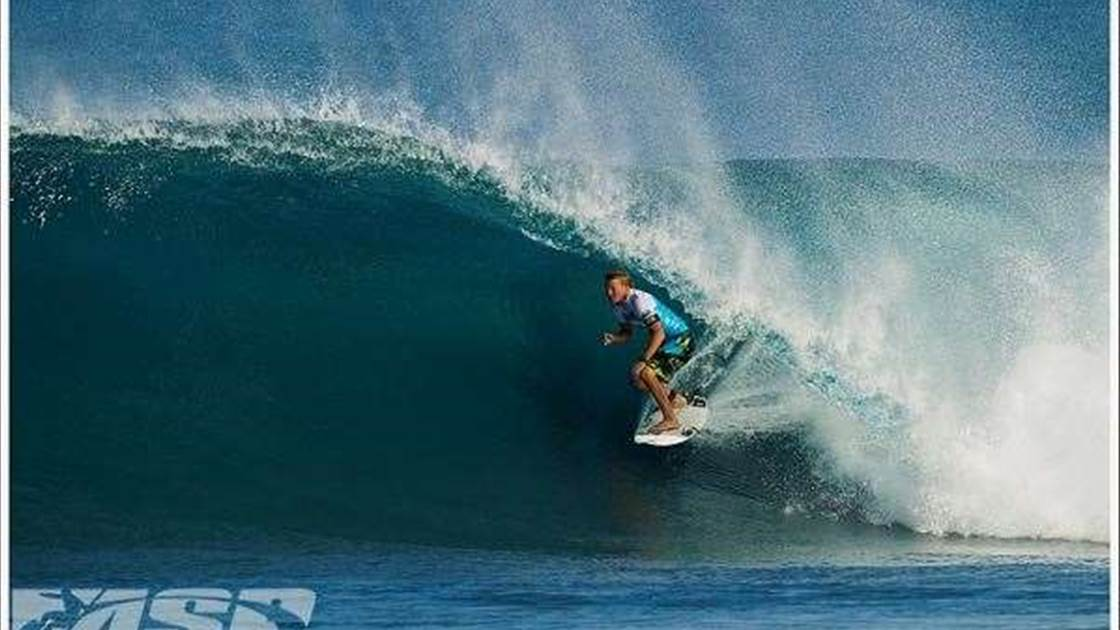 d73e75d760 Day 1 of the Billabong Pipe Masters - Tracks Magazine - The Surfers ...