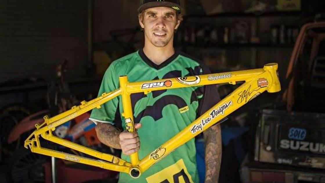 Sam Hill auctions frame for Dementia - Australian Mountain Bike ... d6f68bbfa