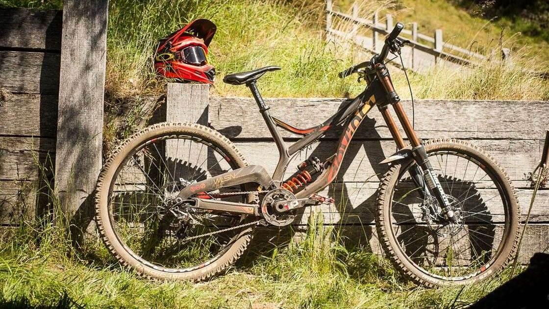 0e7b3541d78 Matt McCorkell's Devinci Wilson 27.5 - Australian Mountain Bike ...