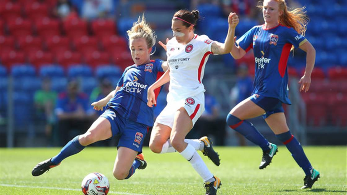 44076909 Newcastle Jets off to a flyer against Western Sydney Wanderers - The ...