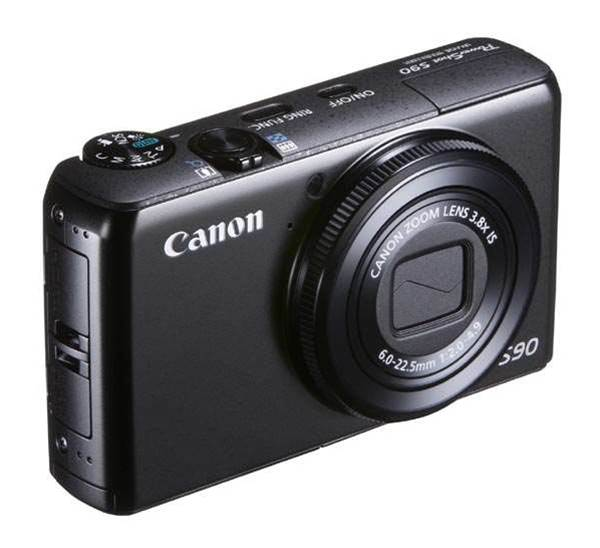 Canon's PowerShot S90 is a worthy compact alternative to a low-end DSLR