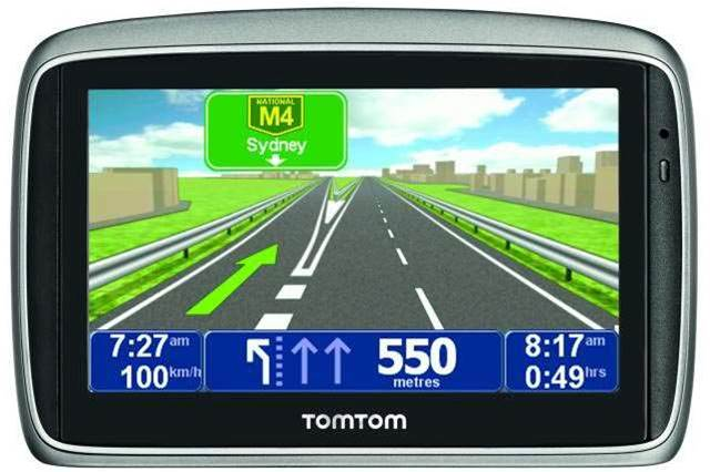 "First Look: TomTom GO 750 boasts voice guidance and ""active dock"" for under $400"