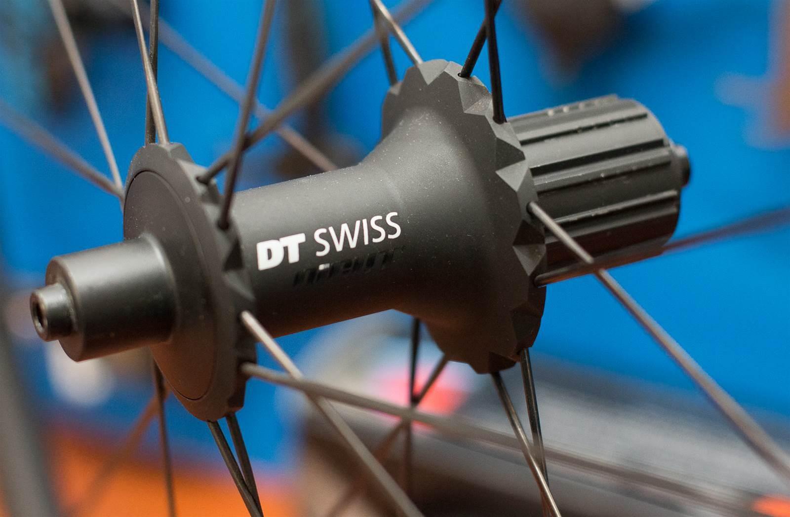 First Look: Dt Swiss PR 1400 DICUT OXIC 21