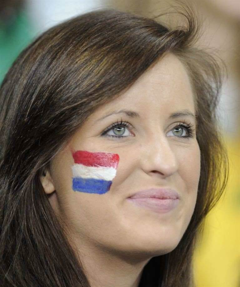 Holland v Cameroon Pic Gallery