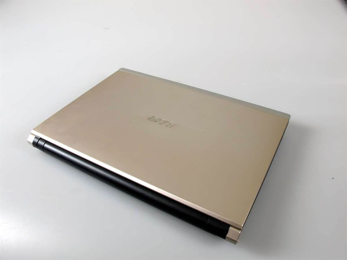 Photos: Inside Acer's Iconia dual screen laptop