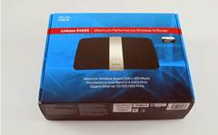 Unboxed: Cisco's brand new Linksys E4200 router