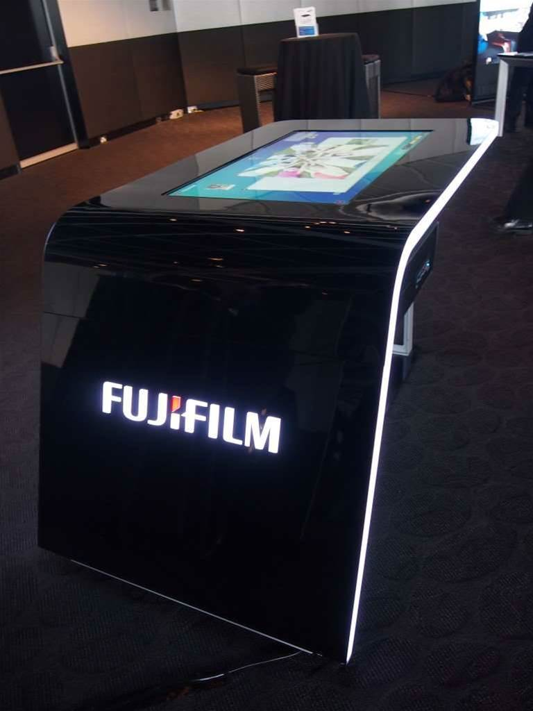 Up close: Samsung's SUR40 touchscreen table