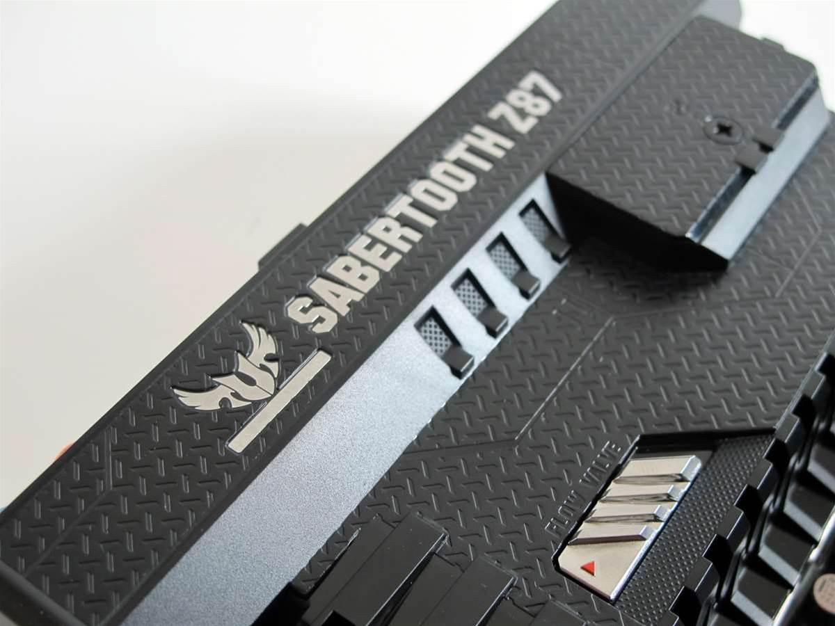 First Look: ASUS Sabretooth Z87