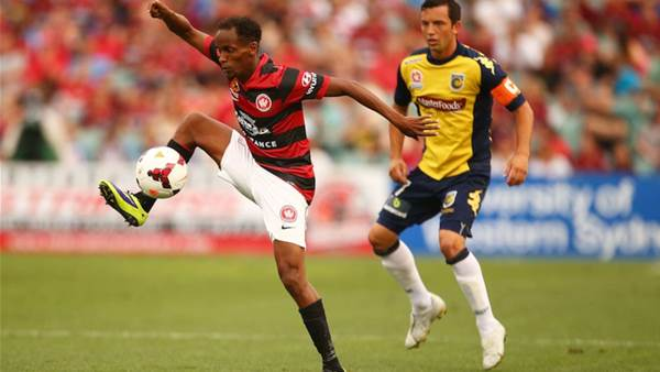 Wanderers v Mariners match action
