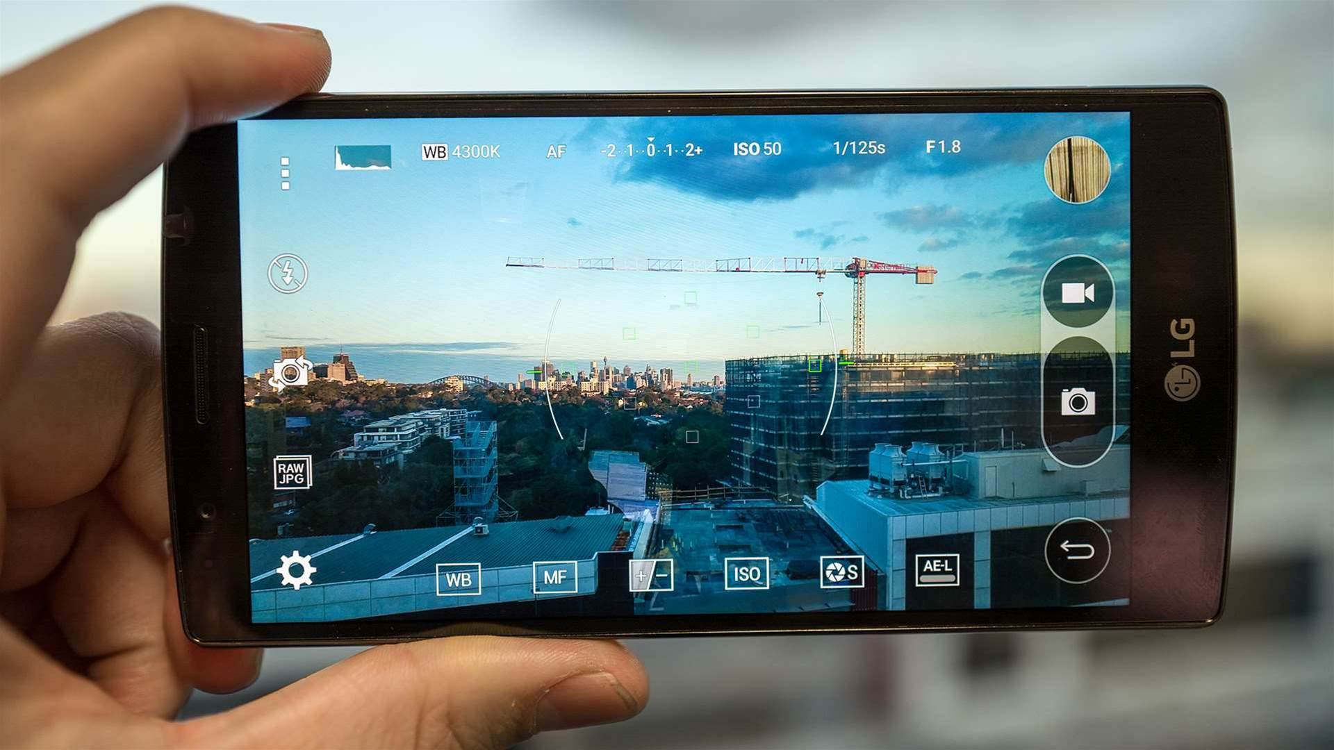 The camera phone game has stepped up to a new level with the 16MP LG G4 that houses a F1.8 lens, gives users manual controls and shoots in RAW.