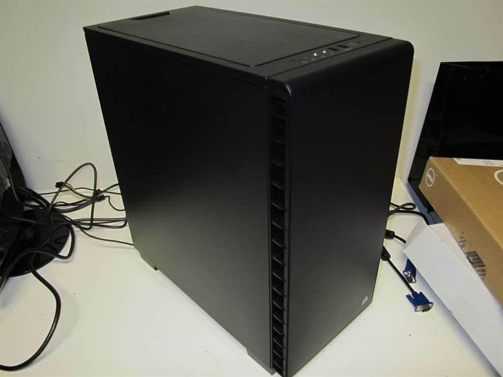 Unboxing: Corsair Carbide 400Q
