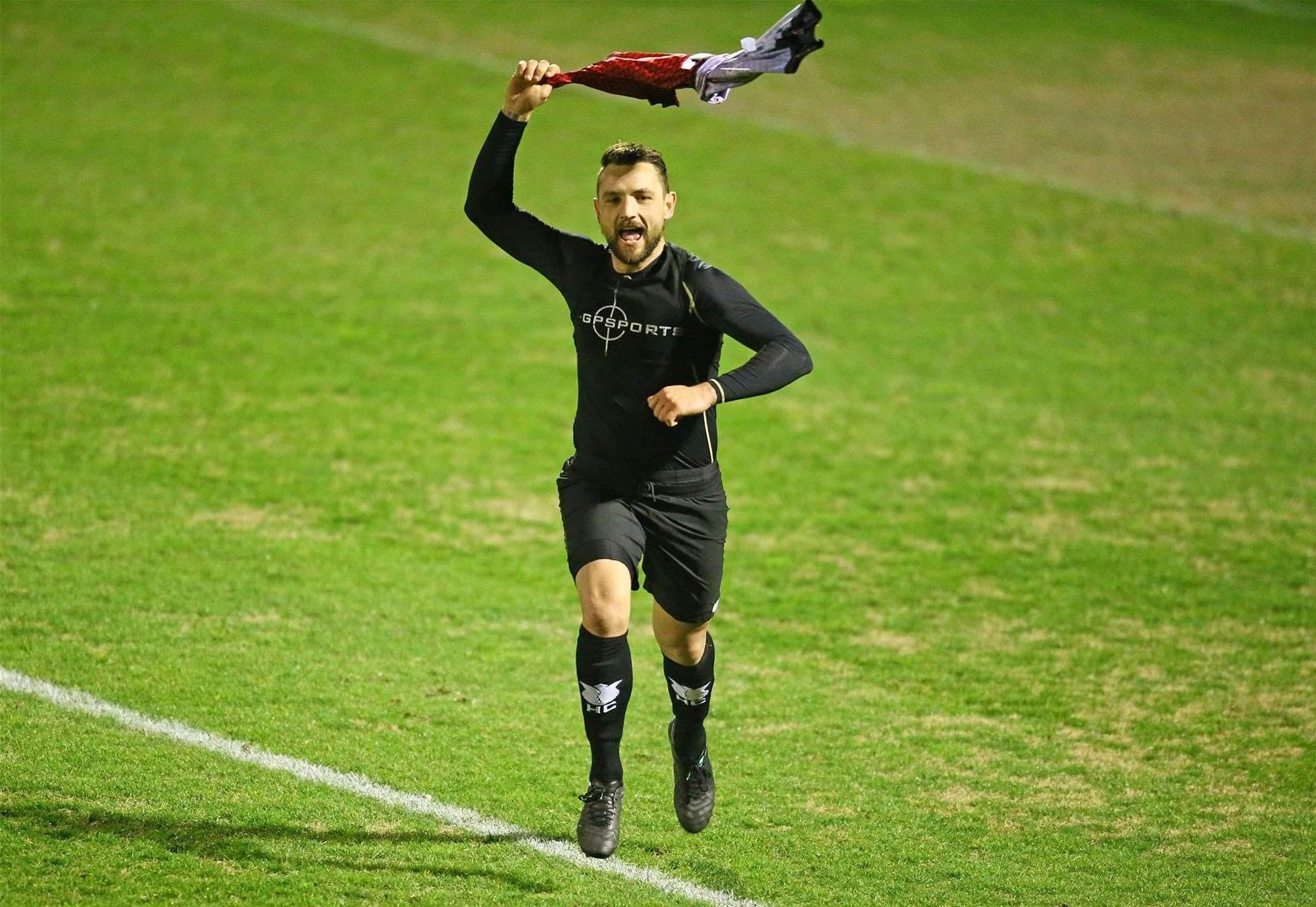 Hume sneak penalty win