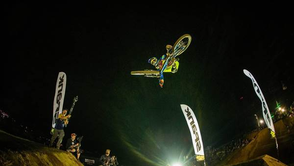Crankworx Rotorua: SPANK Whip-Off and Mons Royale Dual Speed and Style
