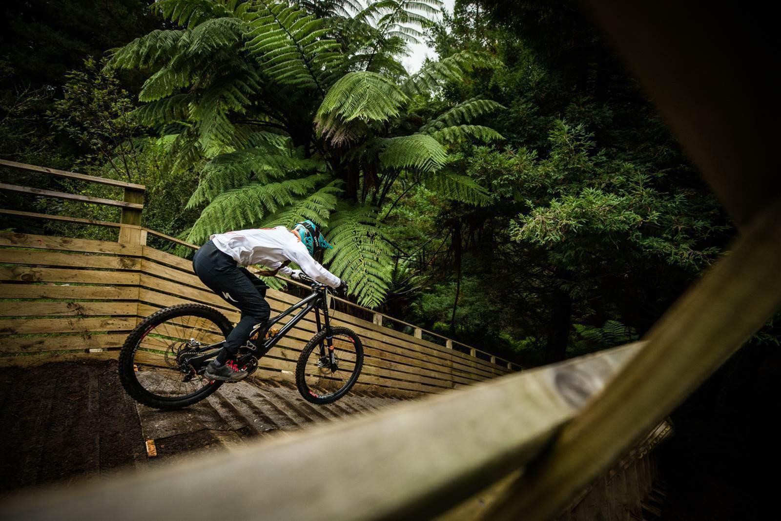 Crankworx Rotorua Downhill presented by iXS: Aussie Domination