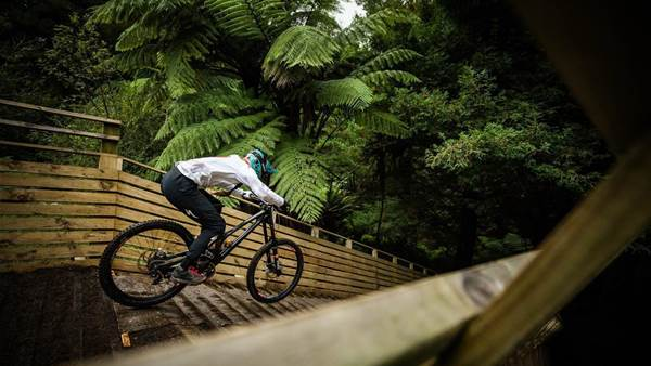Crankworx Rotorua Downhill presented by iXS: Aussie Domination