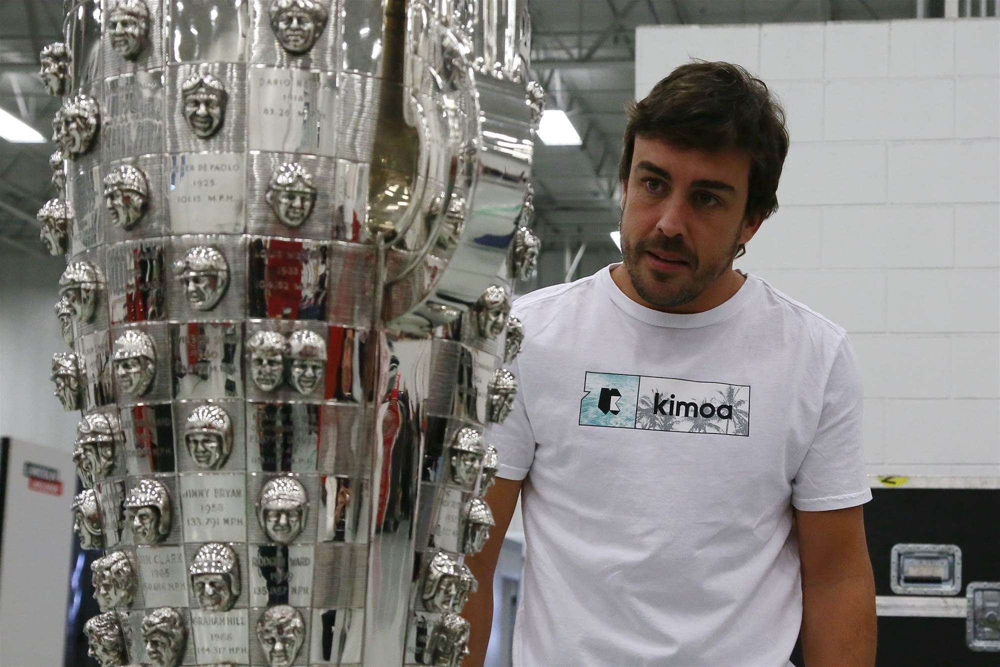 Pic gallery: Alonso visits Indy race