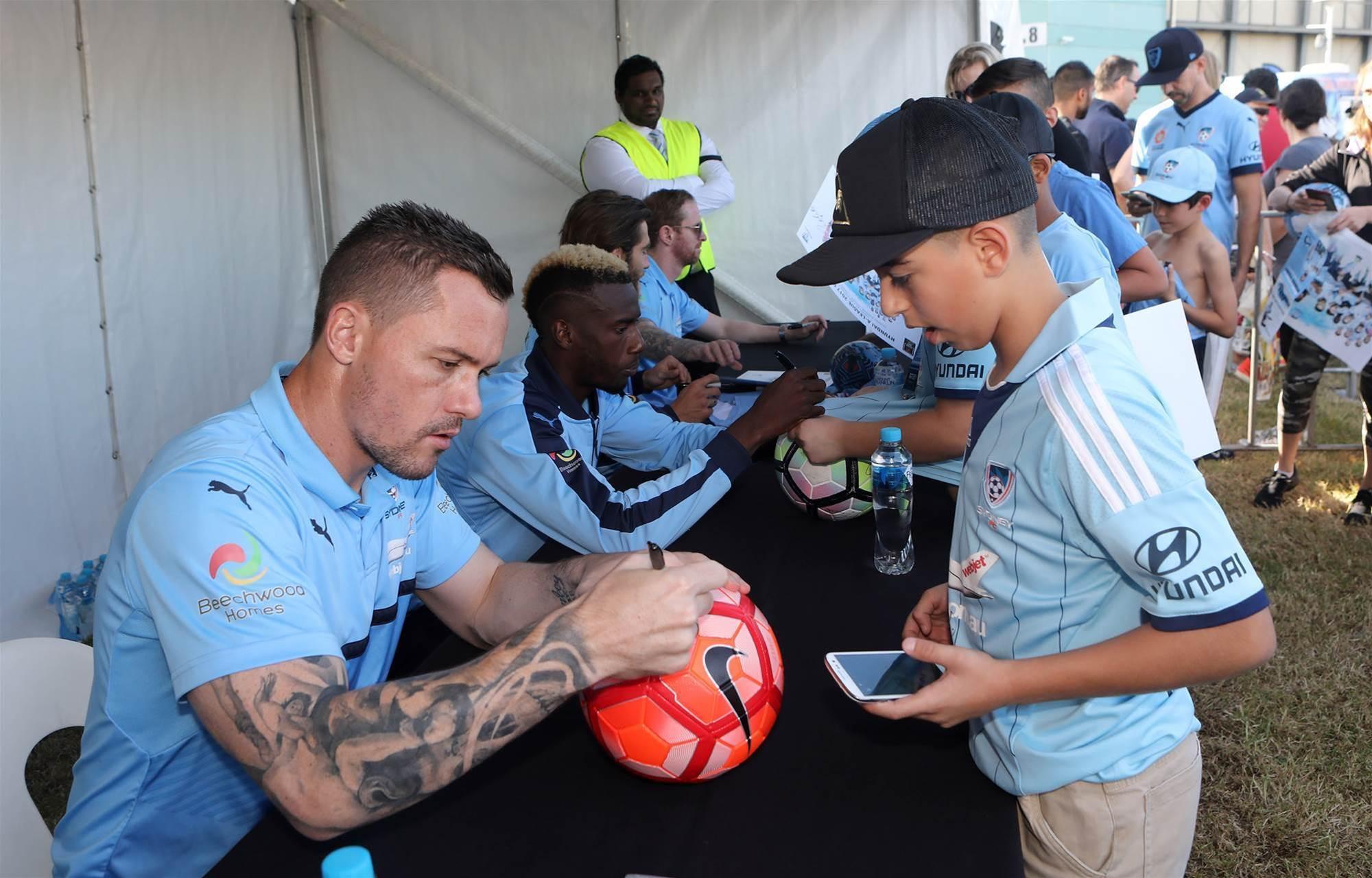 Pics: Sydney meet their fans
