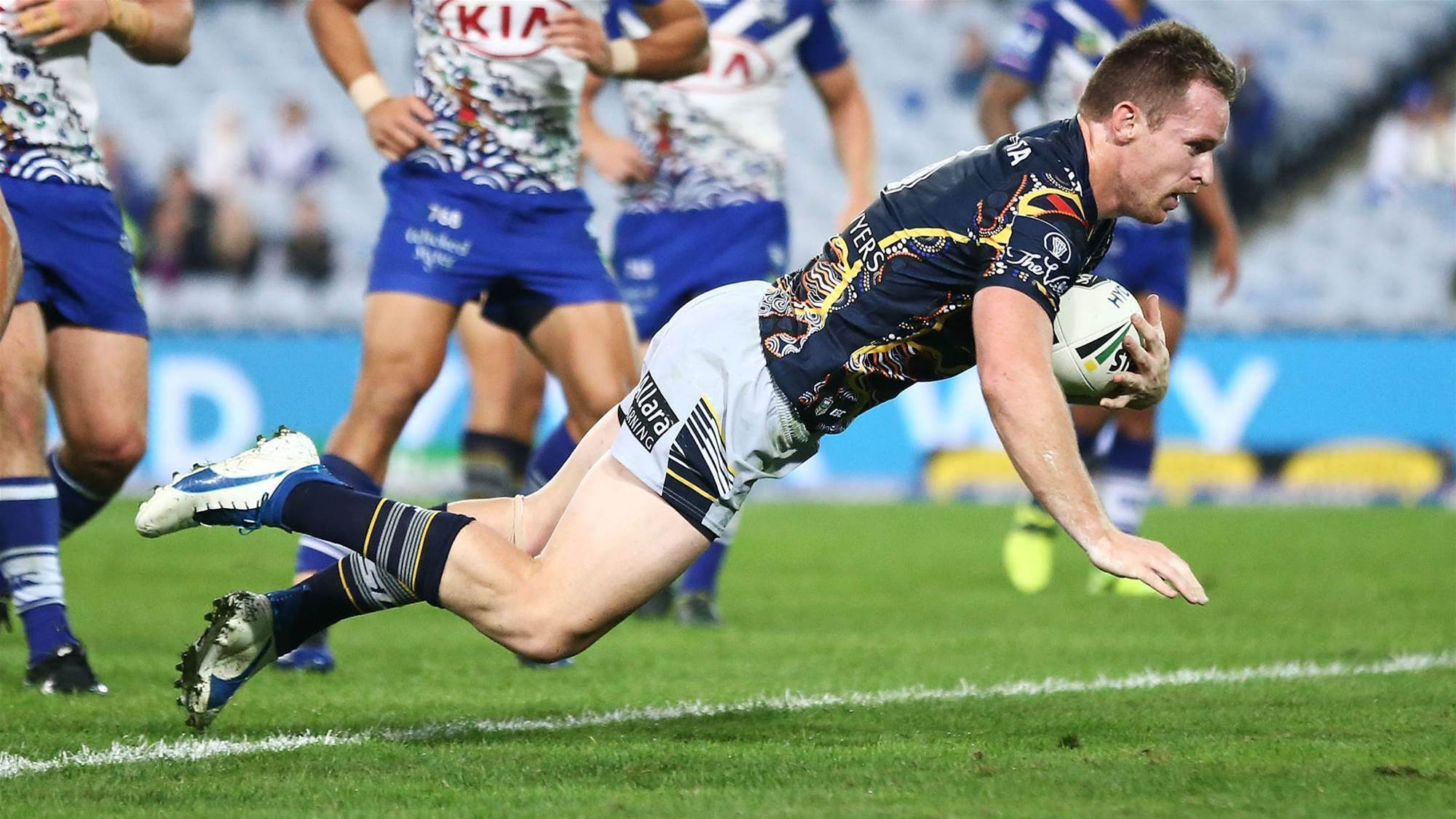 GALLERY: Bulldogs v Cowboys