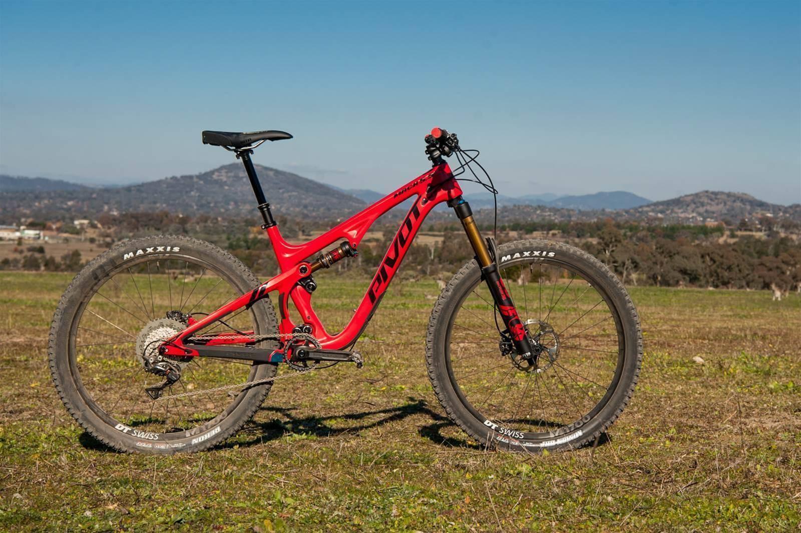 Pivot's all-new Mach 5.5 carbon trail bike