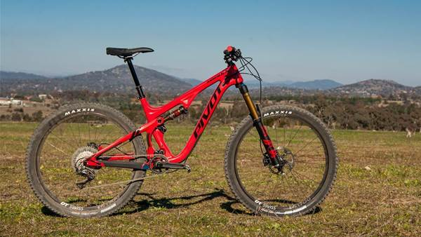Pivot's all-new Mach 5.5 carbon trail bike