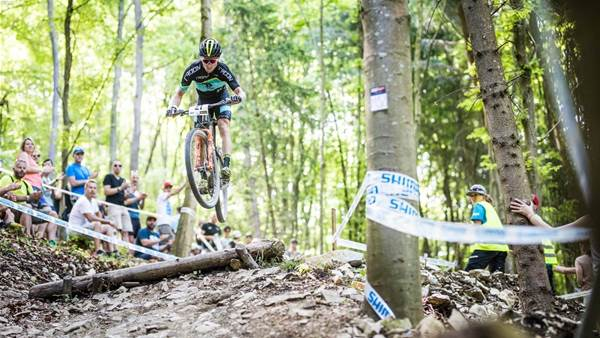 Henderson back on the World Cup podium