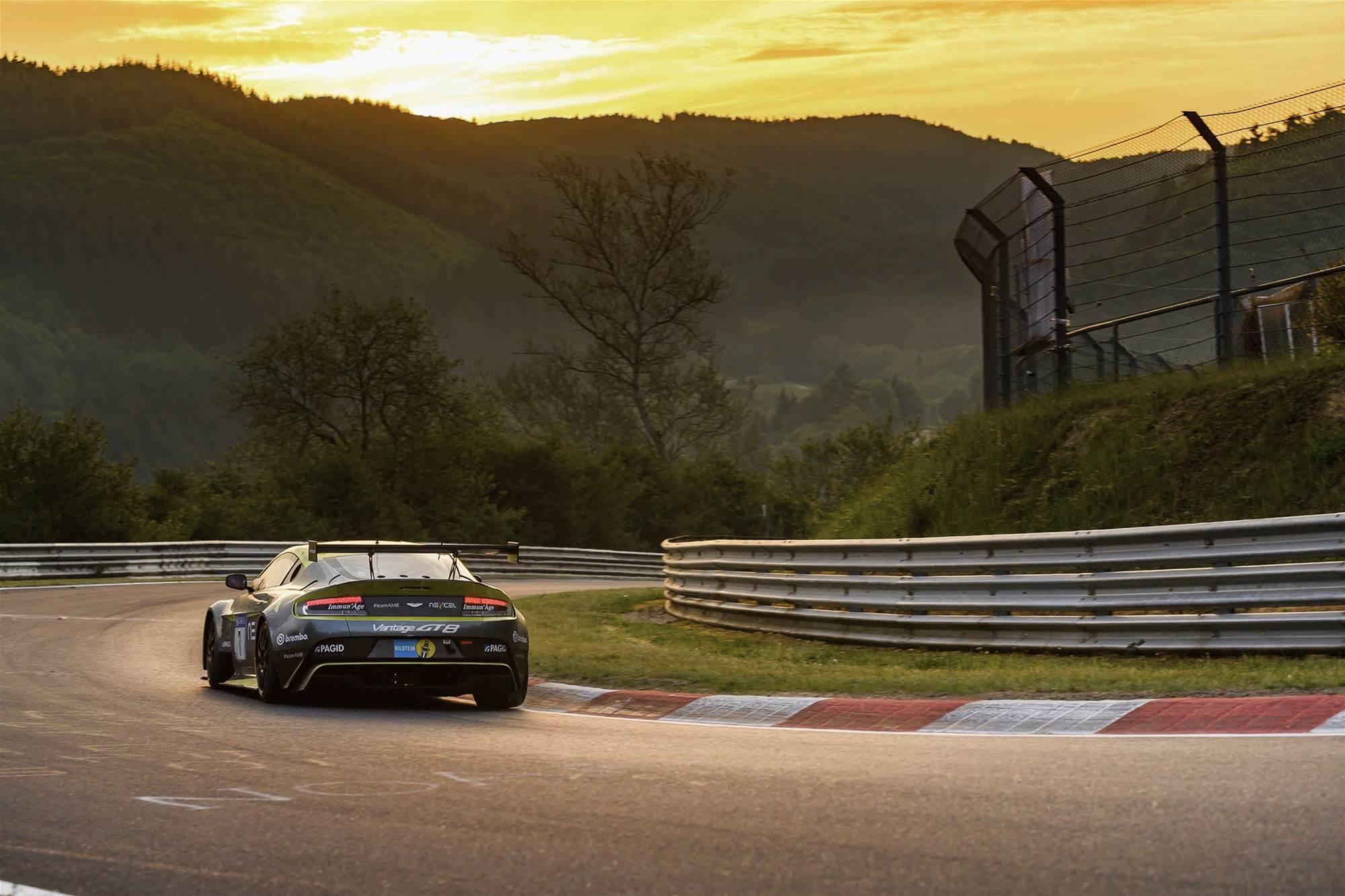 Pic Gallery: Nurburgring 24 Hour