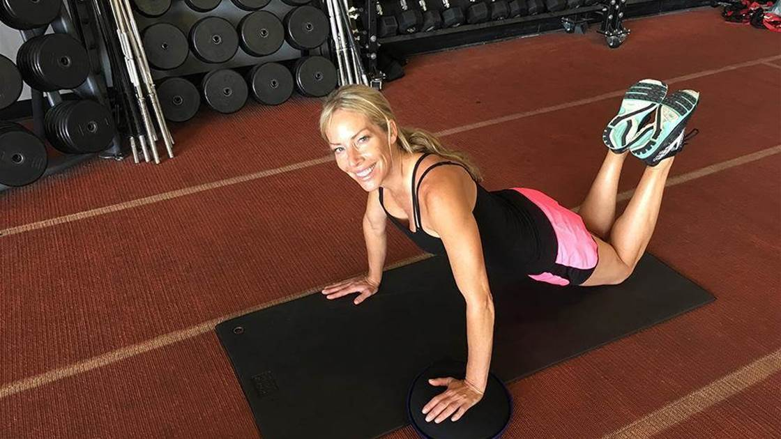 10 Push-Up Variations You Can Do On Your Knees To Sculpt Your Best Arms Ever