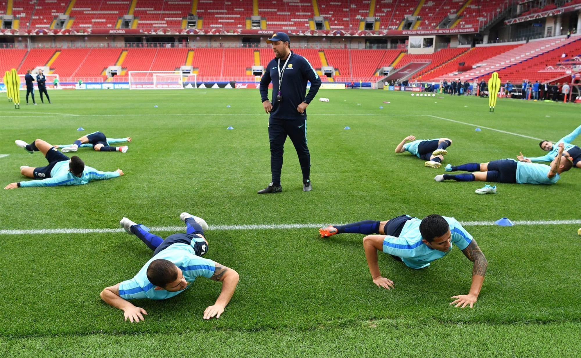 Pics: Roos, Chile train ahead of Moscow clash
