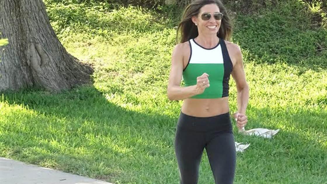 30-Minute Walking Workouts That Burn More Fat Than A Yoga Class