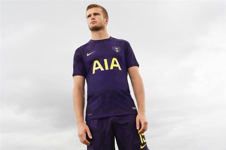 Gallery: Tottenham unveils new third kit