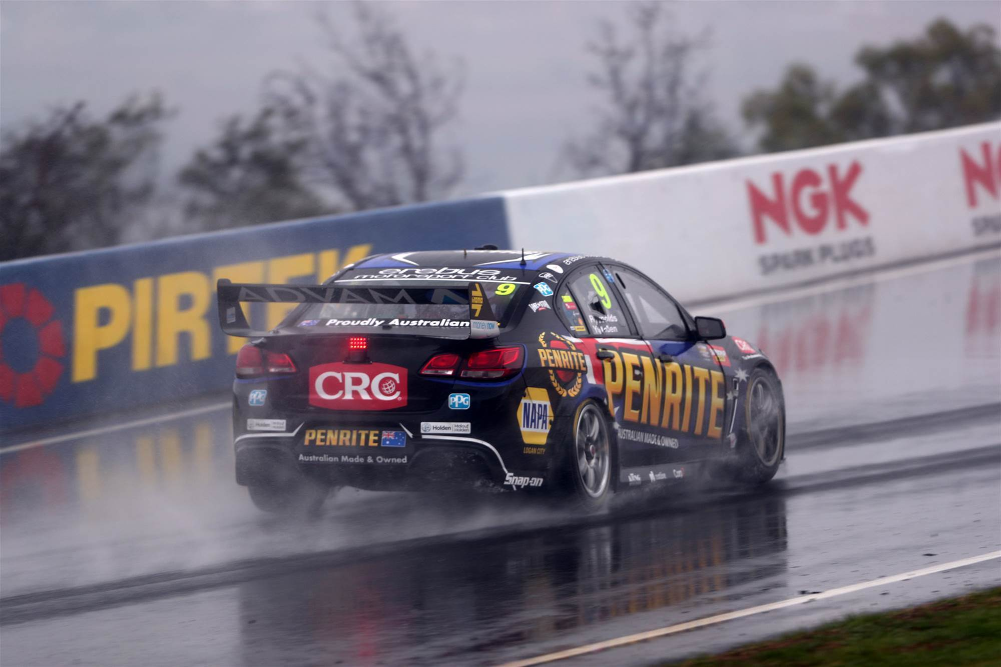 Reynolds wins wet Bathurst