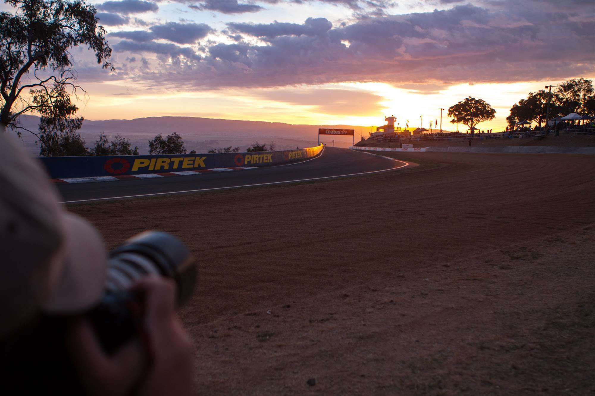 pic gallery: images from Mount Panorama