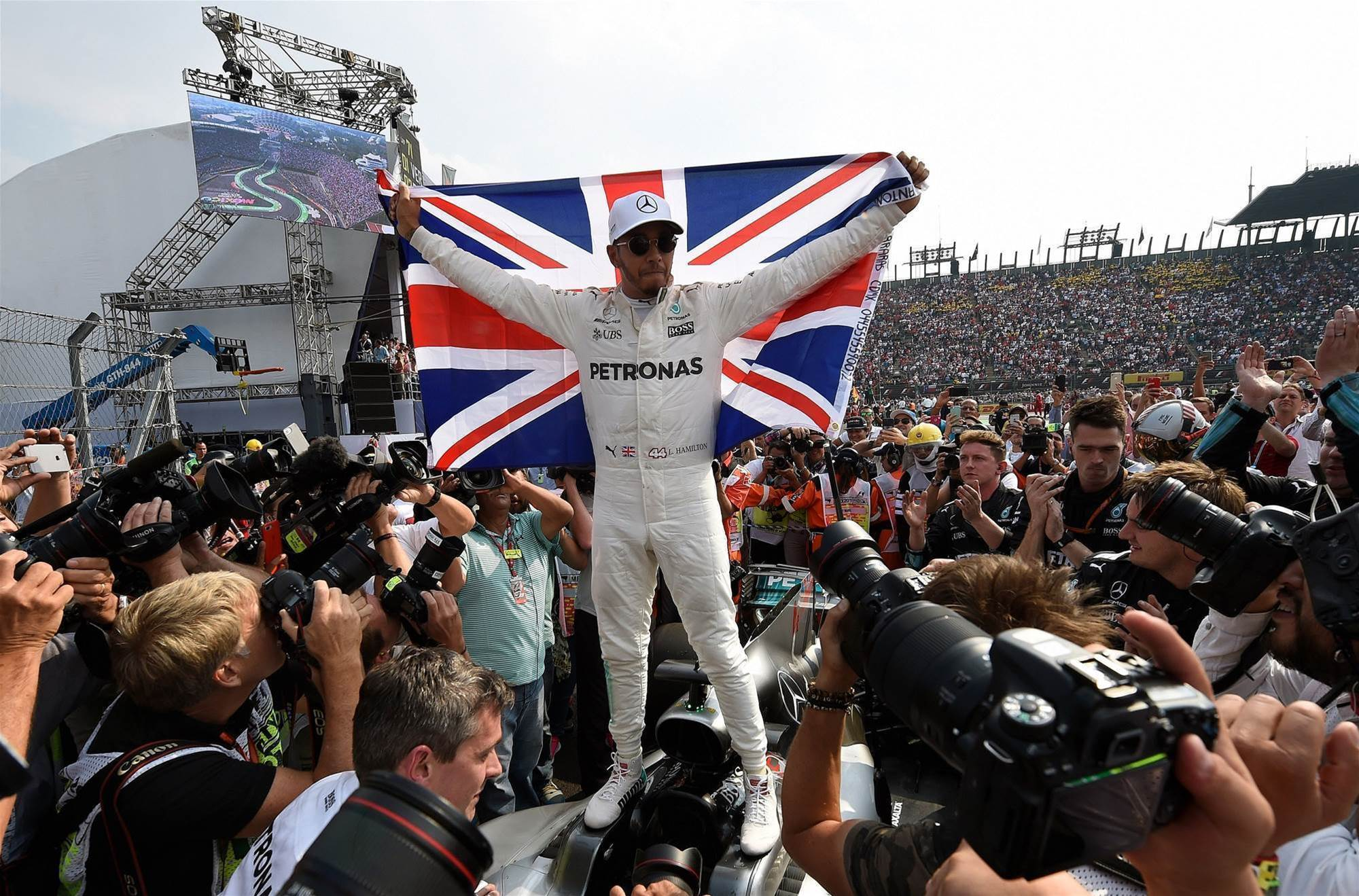 Pic Gallery: Hamilton seals the deal in Mexico