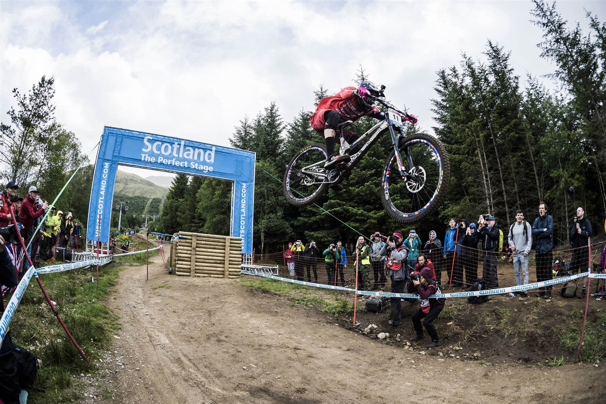 Hannah and Minaar take Fort William World Cup wins