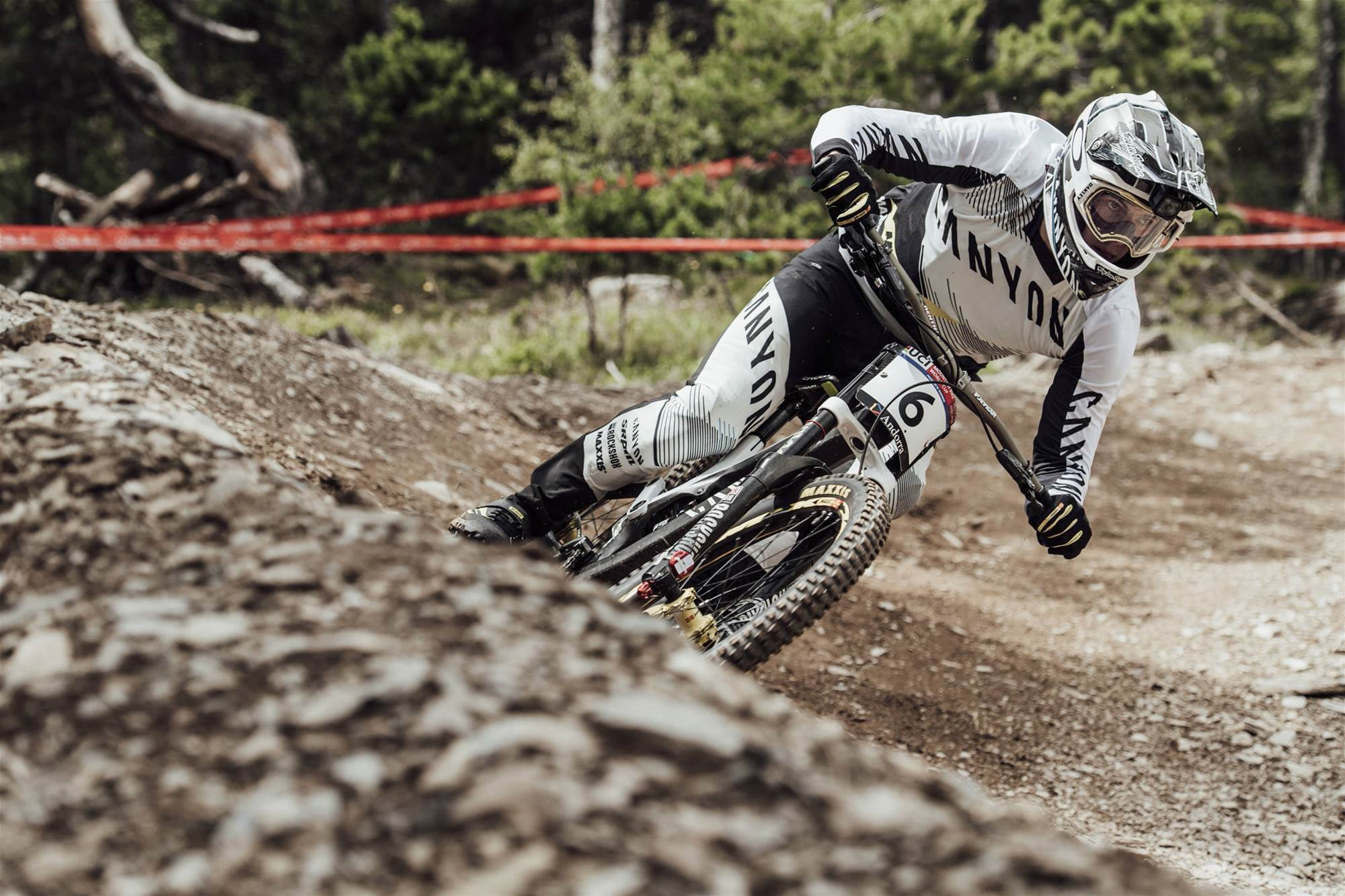 Brosnan wins Vallnord World Cup!