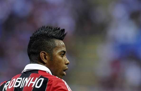 Robinho Suffers Thigh Injury