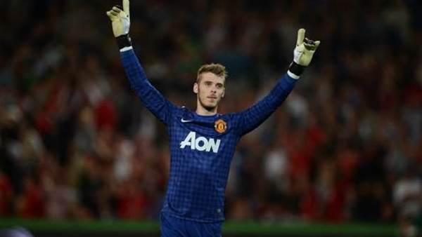 Ferguson impressed by improving De Gea