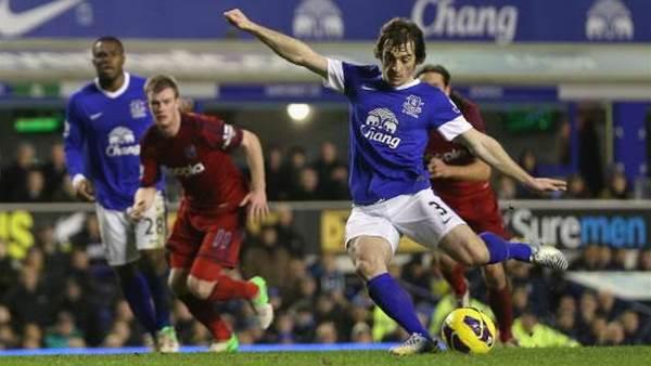 Everton get past Baggies
