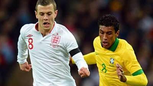 Alves sets sights on Wilshere