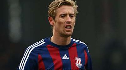 Pulis defends misfiring Crouch